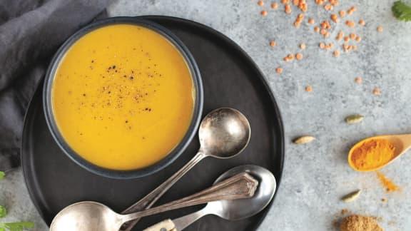 Soupe repas aux lentilles rouges