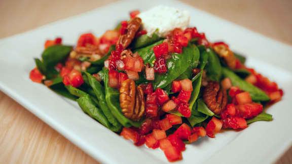 Salade de fraises et d'épinards