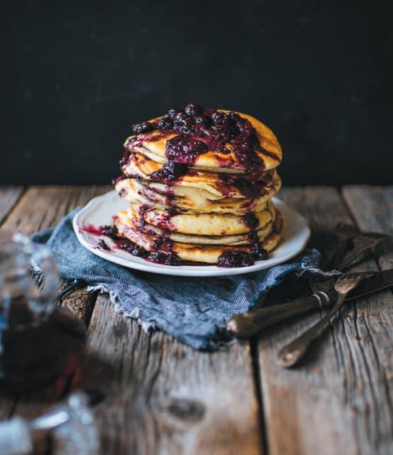 Pancakes moelleux sauce aux petits fruits