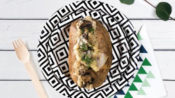 Pommes de terre aux champignons, au vin blanc et gruyère