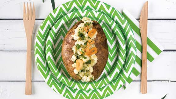 Pommes de terre au tofu, parmesan, ail croquant et crème sûre