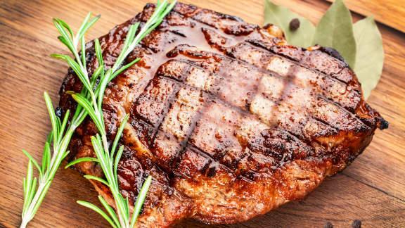 fc8f8f5b82a0 Comment cuire un steak sur BBQ à la perfection   Foodlavie