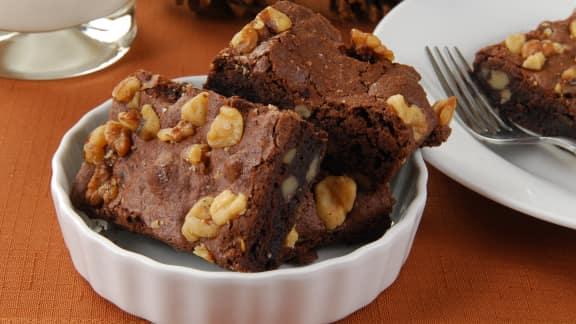 Brownies au chocolat noir, pacanes et arachides