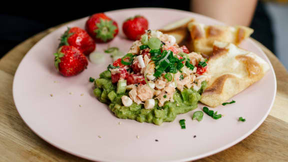 Tartare de saumon aux fraises du Québec
