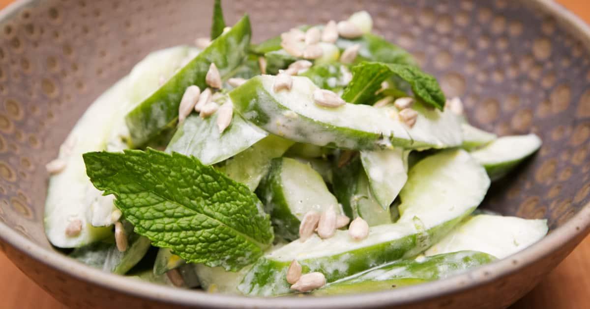 Recette de salade de concombre à la menthe, Dijon et citron | Foodlavie