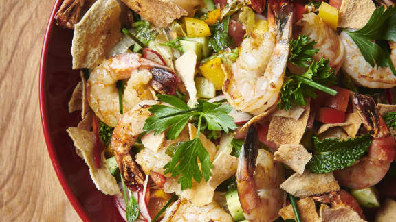 Jeudi :  Salade Fatouche classique et brochettes de crevettes grillées aux épices