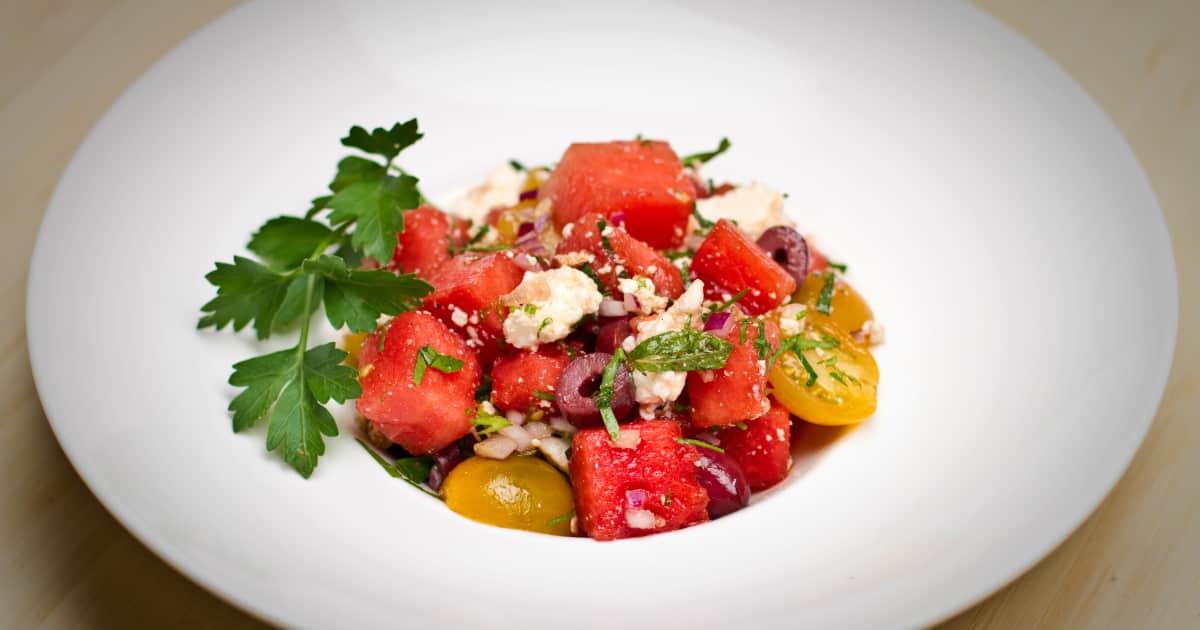 recette de salade grecque au melon d eau foodlavie. Black Bedroom Furniture Sets. Home Design Ideas
