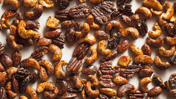 Mélange de noix caramélisées de Noël