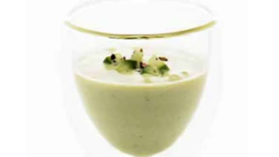 lait d'été au concombre et à la menthe