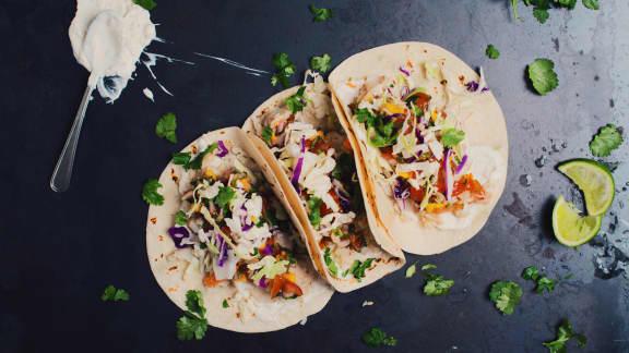 Tacos de poisson avec salsa à la poire