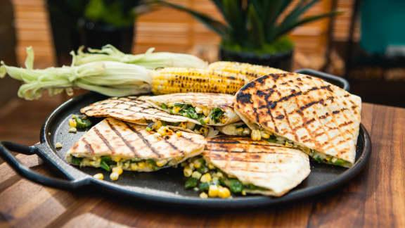 Quesadillas au fromage et aux maïs grillés