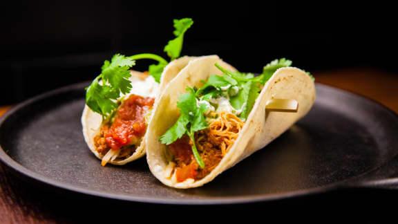 Tacos au poulet effiloché à la mijoteuse