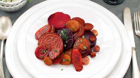 Betteraves, panais et carottes laqués