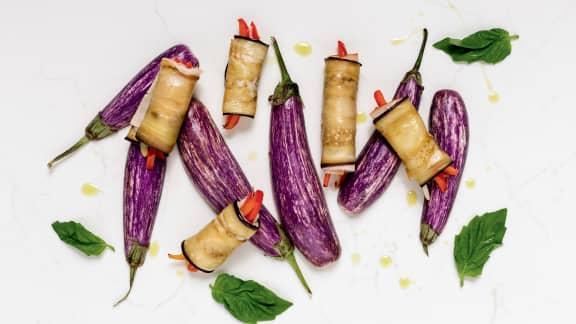 Roulade d'aubergines, dinde fumée, mozzarella et basilic