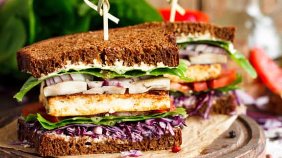 Sandwich de « côtes levées » au seitan