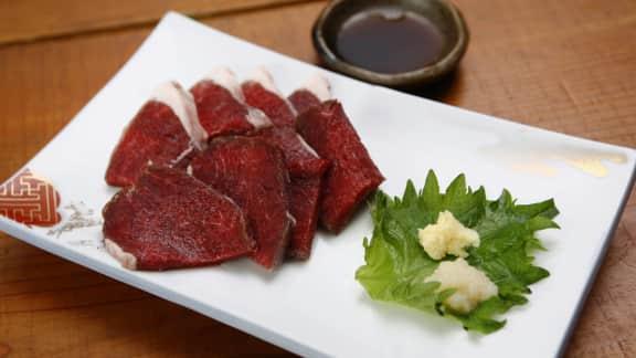 Tataki de phoque mariné