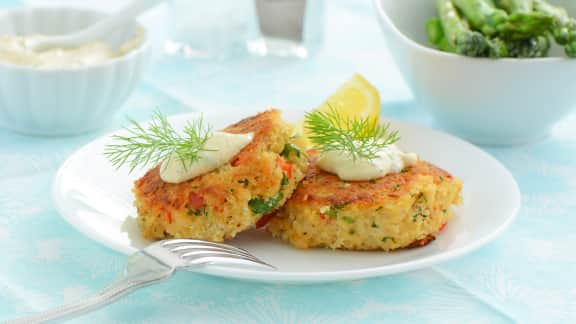 Crab cakes, sauce moutarde et avocat