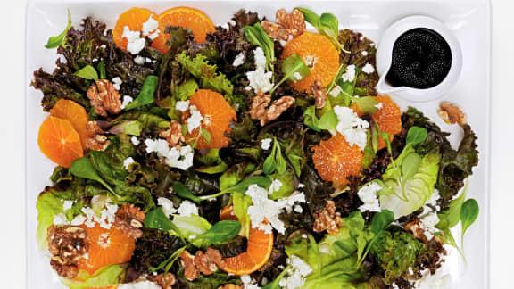 Salade de clémentines aux noix de Grenoble et à la feta