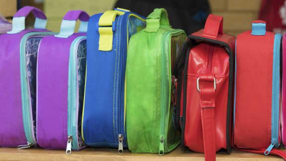 Comment enlever les mauvaises odeurs des boîtes à lunchs en 5 trucs
