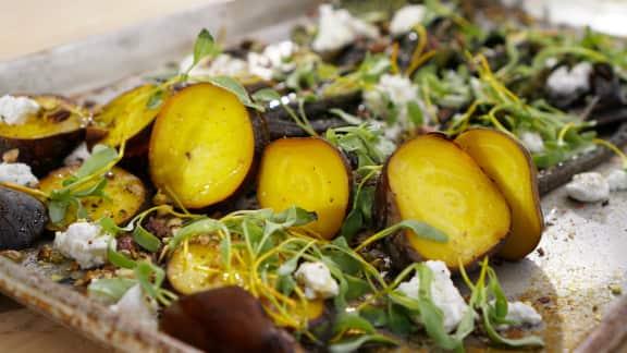 Salade de betteraves natures rôties au chèvre et pistache