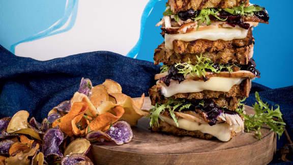Grilled cheese de luxe aux bleuets, à la dinde et à la mozarella