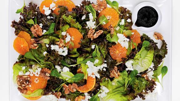 Salade aux clémentines, noix de Grenoble et feta