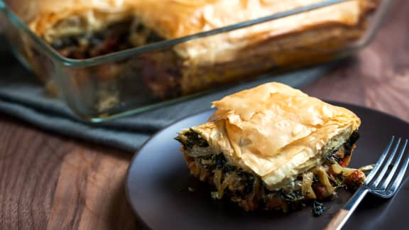 Feuilleté de chou kale et de noix de pin