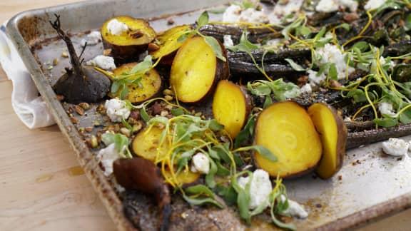 Salade de betteraves nature rôties au chèvre et pistaches