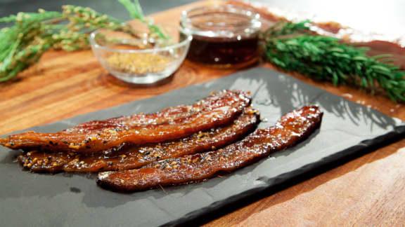 Bacon laqué à l'érable et aux épices à steak