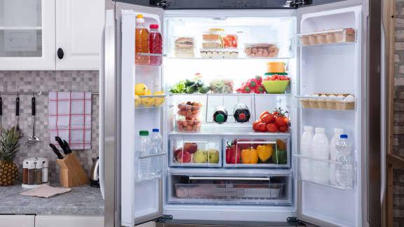5 accessoires pour un frigo propre et organisé