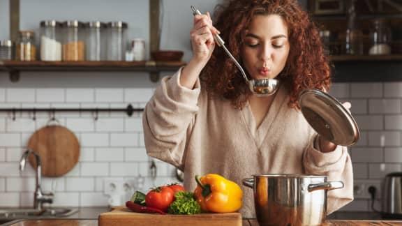 Les 10 mauvaises habitudes les plus fréquentes en cuisine
