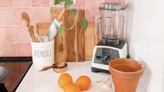 Un tout nouveau mélangeur en acier inoxydable qui promet de faire bien plus que des smoothies!