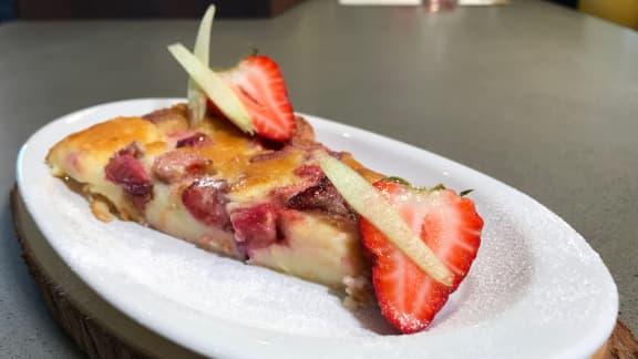 Clafoutis fraises-rhubarbe