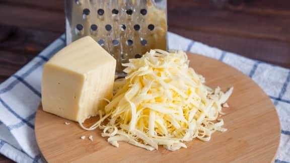 Comment râper facilement du fromage