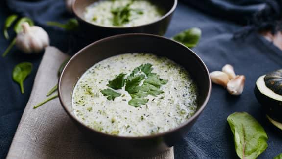 Sauce au yogourt, à la coriandre et à la lime