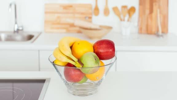 7 trucs pour se débarrasser des mouches dans nos fruits durant l'été