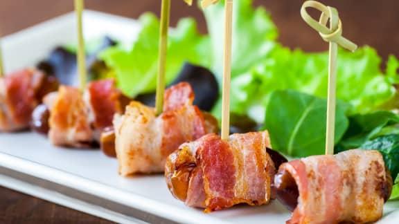 Dattes au bacon, chèvre et érable