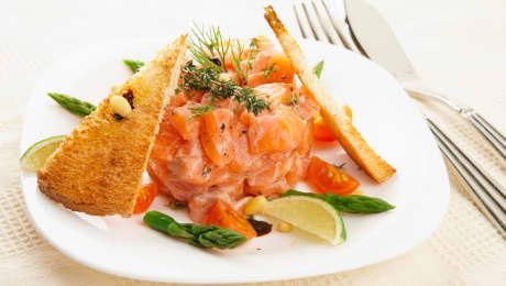 TOP : 7 recettes de tartares de saumon faciles
