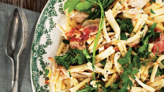 Casserole de dindon, pancetta et broccolinis
