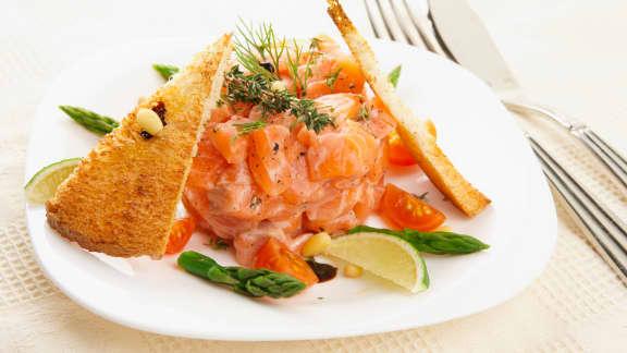 Tartare de saumon bio de l'Irlande parfumé à l'huile de homard