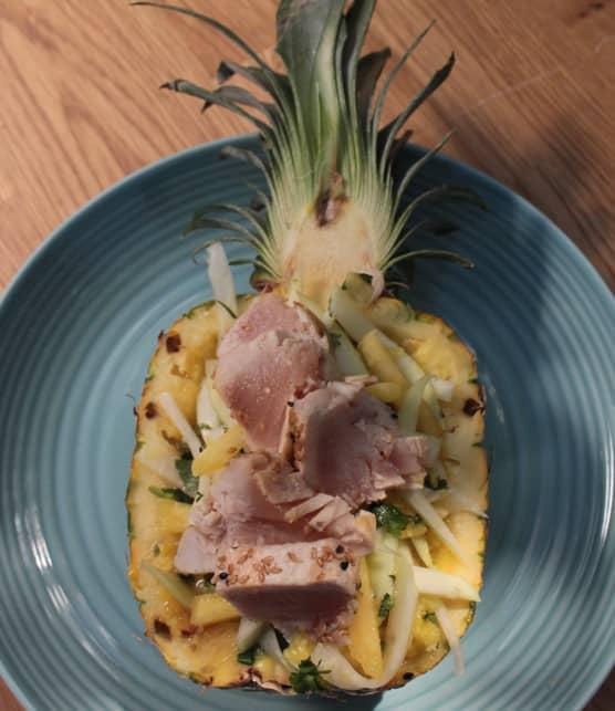 Tataki de thon au sésame, salade de papaye verte à l'ananas