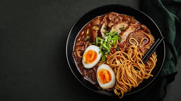 Soupe ramen au curry rouge