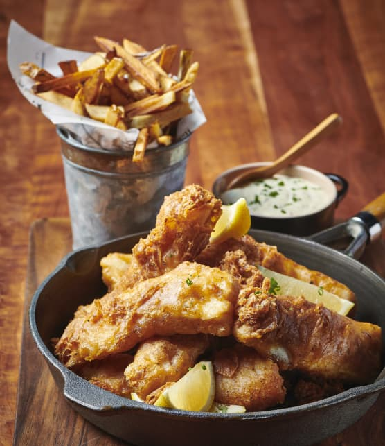 Fish and chips décadent avec sauce tartare maison aux cornichons à l'aneth