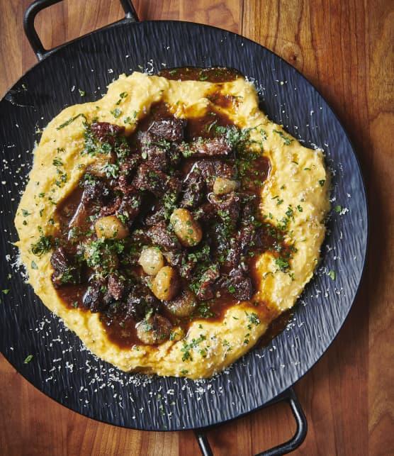 Ragoût de veau italien sur polenta