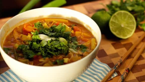 Soupe-repas thaïe au lait de coco
