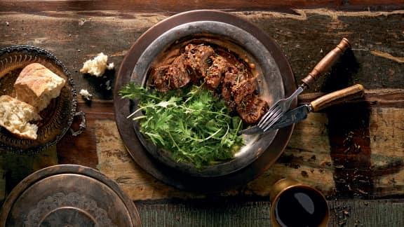 Longe d'agneau en croûte de sel aux herbes et épices