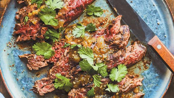 Bavette de bœuf à la salsa verde