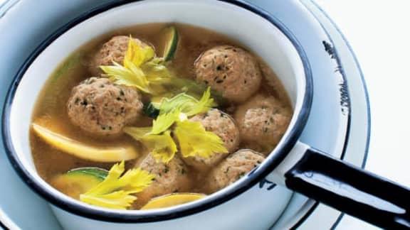 Soupe aux boulettes de dinde à l'italienne