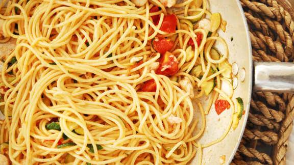 Spaghetti aux crevettes et aux courgettes
