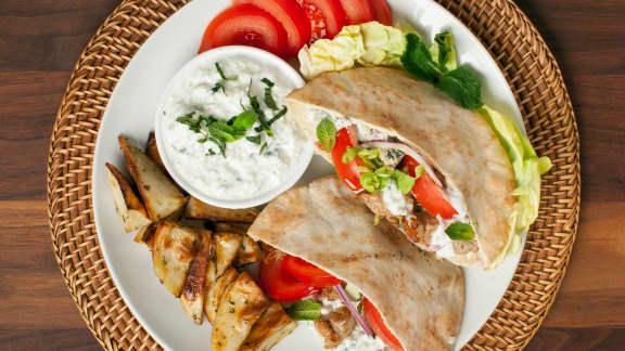 Mardi : Pitas au porc et sauce crémeuse